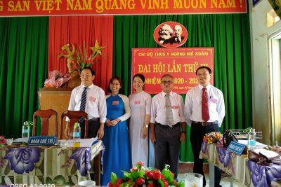 Đại hội Chi bộ Trường THCS Y Ngông Niê Kdăm, nhiệm kỳ 2020 – 2022 diễn ra thành công tốt đẹp